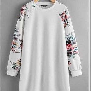 Floral spring curved hem tee dress